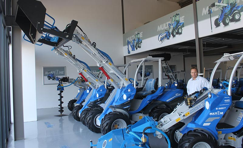 MultiOne SA sells the full range of CSF MultiOne's articulated compact loaders.